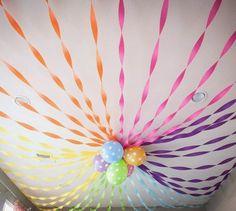 Tenemos un montón de colores en cintas de papel crepé para hacer decoraciones tan chulas como estas