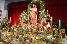 Joseph's Altar in New Orleans Catholic Feast Days, Catholic Saints, Patron Saints, Roman Catholic, Catholic Traditions, Catholic Kids, Saint Patrick, St Joseph Feast Day, Feast Of The Annunciation