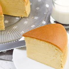 Sponge Cake, Cornbread, Vanilla Cake, Ethnic Recipes, Desserts, Food, Gourmet, Chocolate Souffle, Cake Batter Cookies