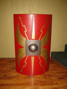How to make a Roman Shield Roman Soldier Helmet, Roman Soldier Costume, School Projects, Projects For Kids, Art Projects, Project Ideas, School Ideas, Nativity Costumes, Easter Costumes
