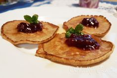 Špaldové lievance s brusnicami Pancakes, Slim, Breakfast, Food, Morning Coffee, Essen, Pancake, Meals, Yemek