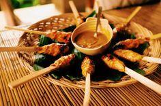 Petites brochettes de poulet à Bali (Satay lilit) (recette indonésienne)