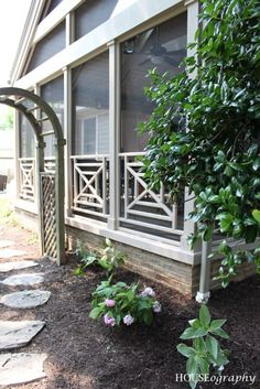 DIY Screen Porch Retreat !