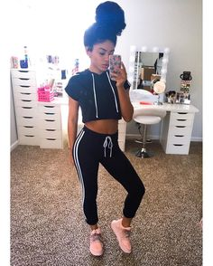 41 Nice Casual Style Looks To Copy Asap Fashion Trends Hip Hop Outfits, Edgy Outfits, Cool Outfits, Fashion Outfits, Fashion Trends, Black Outfits, Tomboy Fashion, Cute Fashion, Teen Fashion
