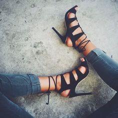 The Steve Madden SANDALIA heels and skinnies. @calleysunshine is doing Saturday night right.