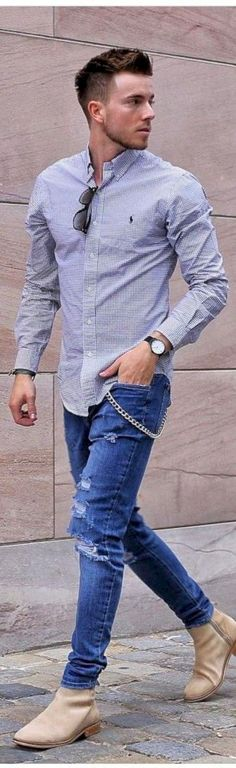 awesome 36 Men's Fashion Casual Jeans Outfits https://attirepin.com/2018/02/18/36-mens-fashion-casual-jeans-outfits/ #men'scasualoutfits #menoutfits