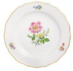 "Plate, Shape ""Neuer Ausschnitt"", Vintage Flowerpainting 2, Heckenrose, gold rim, ø 20 cm"