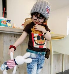 OMG, freaking cute korean kid fashion!  Wholesale Free shipping Korean fashion children and MAMA caps hats 2 colors baby headwear  20pcs/lot