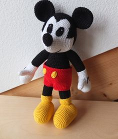 Amigurumi Free Pattern Hello Kitty : 1000+ images about mickeymouse on Pinterest Mickey mouse ...