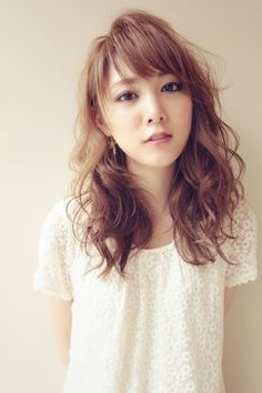 Japanese Haircut, Japanese Hairstyle, Cute Curly Hairstyles, Hairstyles With Bangs, Midi Hair, Medium Hair Styles, Curly Hair Styles, Digital Perm, Blonde Asian