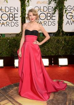 Taylor Swift 2014 golden globes strapless Carolina Herrera gown that featured a black bustier and blazing red skirt Taylor Swift 2014, Taylor Swift Moda, Style Taylor Swift, Red Taylor, Golden Globe Award, Golden Globes, Carolina Herrera, Taylor Swift Vestidos, Beautiful Dresses