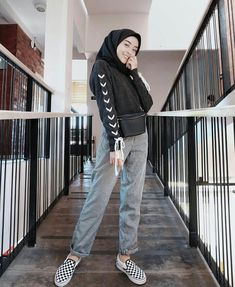 16 Ideas For Style Hijab Casual 2019 Modern Hijab Fashion, Muslim Fashion, Trendy Fashion, Fashion Outfits, Womens Fashion, Trendy Style, Fashion Trends, Hijab Casual, Hijab Chic