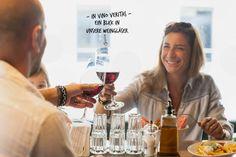 In vino veritas - heute werfen wir einen Blick in unsere Weinauswahl.   PS: Welches ist euer persönlicher Lieblingswein? In Vino Veritas, Ps, Alcoholic Drinks, Coffee Maker, Blog, Promotion, Wine, Italian Recipes, Wine Glass