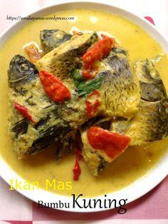 Ikan Mas Bumbu Kuning 2 Fish And Seafood, Creative Food, Pos, Catering, Food And Drink, Menu, Traditional, Chicken, Kitchen
