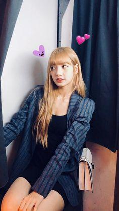 [IG] 180916 lalalalisa_m Kim Jennie, Jenny Kim, Kpop Girl Groups, Kpop Girls, Korean Girl Groups, Yg Entertainment, Square Two, Rapper, Lisa Blackpink Wallpaper