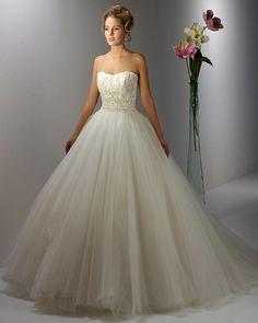 13ST1 menyasszonyi ruha