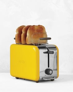 How clever is this toaster? It let's you raise your toast to peek for desired toastyness without stopping the crisping process