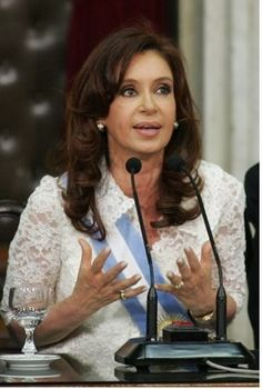Argentina has a republic government. There president currently is Cristina Fernandez de kirchner. Second woman to serve as president.