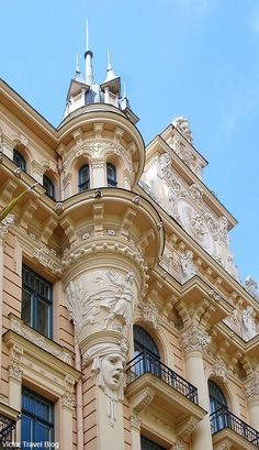 Art Nouveau Style or Jugendstil. of the architecture in Riga is Art Nouveau, more than any other city. Art Nouveau Architecture, Architecture Portfolio, Beautiful Architecture, Art And Architecture, Architecture Details, Art Deco, Le Palais, Amazing Buildings, Gaudi