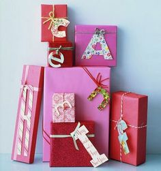 easy way to label family gifts and use upscrap paper...use cricut to cut