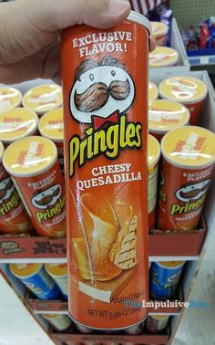 Potato Chip Flavors, Potato Chips, Cute Food, Yummy Food, Tasty, Pringle Flavors, Junk Food Snacks, Snack Items, Cookie Flavors