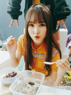 GFRIEND Yuju Gfriend Yuju, Gfriend Sowon, South Korean Girls, Korean Girl Groups, G Friend, Korean Music, Kpop Aesthetic, Mamamoo, Interesting Faces