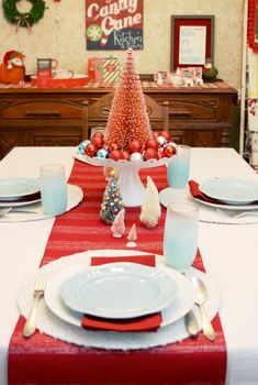 Retro Red & Turquoise Christmas Table Setting