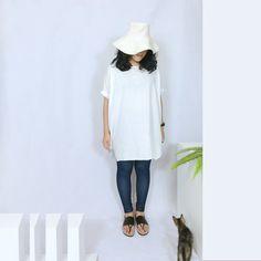 https://c2.staticflickr.com/8/7508/26925006123_f542292216_b.jpg  給喜歡自然  素素  舒適  的你,  非常適合台灣的夏季,  是一件越穿越喜歡的長衣。    【材質】:棉80%  麻20%  【厚度】:薄而不透  【彈性】:無  【...