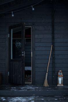 elorablue:  Winter Cabin | Vihrea Talo