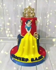 White And The Seven Dwarfs Snow White 20 Cartoon Cake Ideas The Lack Of Limitations On The Varieties Of Cakes That Can Be Made With Modeling Allows The Use Of Sugar Snowwhitebirthdaycake Snow White Birthday Cake Dwarfs Princess Cake Princess Birthday Party Decorations, Princess Theme Birthday, 2nd Birthday Boys, Birthday Party Themes, White Birthday Cakes, Snow White Birthday, Snow White Cake, Ivana, Cake Ideas