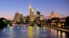 Wie Sie Frankfurt auf skurrile Art entdecken, welches die besten Lokale in der Multikulti-Stadt sind und bei welcher Bestellung jeder Frankfurter Kellner Sie mit Verachtung strafen wird.