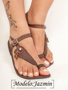 Sandalias de cuero hechos a mano desde el borde del Caribe