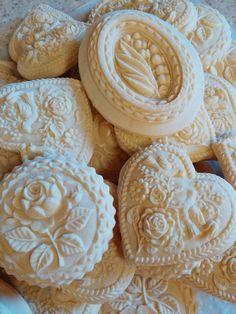 Beautiful Springerle, by Teri Pringle Wood, at cookieconnection. Fancy Cookies, Vintage Cookies, Cupcake Cookies, Sugar Cookies, Valentines Day Cookies, Cookies Decorados, Springerle Cookies, Big Cookie, Cookie Decorating