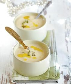 soupa veloute patatas me ladi troufas Greek Recipes, Soup Recipes, Snack Recipes, Cooking Recipes, Healthy Recipes, Healthy Meals, Healthy Food, Snacks, Soup And Sandwich