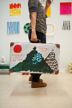 i love the idea of painting an old suitcase :) - work by Mogu Takahashi via Fine Little Day Arts And Crafts, Diy Crafts, Artist Art, Art Lessons, Art For Kids, Illustration Art, Creations, Artsy, Branding