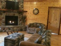 Great place to have family gatherings, business retreats or just with a group of friends !!! Call us 800.367.4516 or visit us at www.huzzahvalley.com