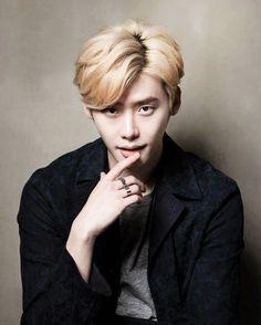 LJS with blonde hair 😍 Lee Jong Suk, Hyun Suk, Lee Hyun Woo, Joo Hyuk, Cute Actors, Handsome Actors, Asian Actors, Korean Actors, Pinocchio