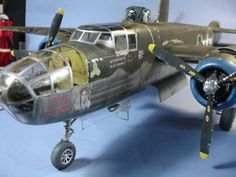 HK Models 1/32 B-25J Bomber   Large Scale Planes