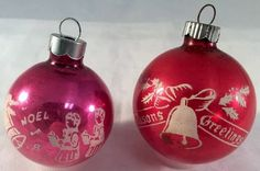 Love the stenciled decorations on these ornaments. Stenciled Christmas Ornaments Shiny Brite 1950s Pair Pink Red Hanging Balls #ShinyBrite #Ornament