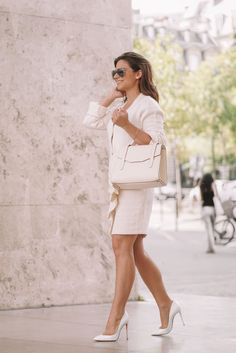 How to style an all white outfit, white outfit ideas, stylish white outfits, how to wear all white, ways to look chic in all white, all white louboutin, entire white look, how to style blanc colors, how to look minimalist, pre fall outfits, all white outfit for the fall, all white outfit for summer, wearing white outfits, style guide for all white, white look, white lookbook, style guide for wearing the color white, how to wear white only All White Outfit, White Outfits, Fall Outfits, Summer Outfits, Fashion Outfits, Only Fashion, Fashion Beauty, Womens Fashion, High Fashion