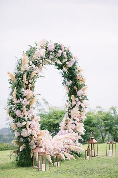A stunning circular floral arch for a beautiful wedding // Bryan and Su Mae's focus for their Koh Samui wedding was to give their guests the best time of their lives, and so they did! Along with The Wedding Bliss Thailand, the couple organized this blush pink and rose gold-themed wedding at Villa Katrani, which featured the most incredible circular floral arch!