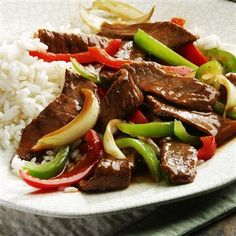 Pepper Steak with Rice. UPDATE: This was the best pepper steak and rice I've ever made. Used organic, pasture raised london broil. Pepper Steak And Rice, Chinese Pepper Steak, Crockpot Pepper Steak, Pepper Steak Recipe Easy, Green Pepper Steak, Mccormick Recipes, Weight Watchers Pepper Steak Recipe, Beef Jerky, Gourmet