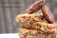 Chewy dates granola bars