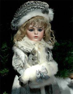 Coat, Hat, Muff for Antique Doll, Bru 18 Victorian Dolls, Antique Dolls, Vintage Dolls, Quilts Vintage, Porcelain Dolls Value, Fine Porcelain, Porcelain Jewelry, Porcelain Tile, Haunted Dolls