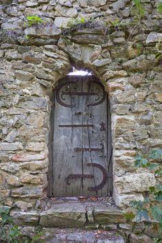 Cisnădioara, Transylvania, Romania door