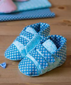 Environmentally Friendly Gifts, Baby Sewing Projects, Toms, Baby Shoes, Sneakers, Diy Baby, Products, Bread Bags, Bag Tutorials