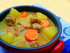 Spezzatino di vitello al curry con patate e carote