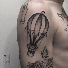 tattoo tatuagens linhas finas marla moon ornamento balão