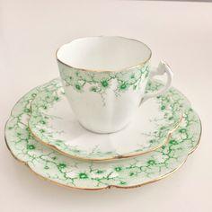 Shelley Lily shape teacup trio, Daisy Border in green 1910-1916 | eBay