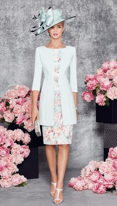 Veni Infantino 991108 occasion wear - Colour Aqua - Price Crepe capped sleeve print dress with wide waistband and distinct collarless matching jacket. Mother Of The Bride Fashion, Mother Of Bride Outfits, Mother Of Groom Dresses, Mothers Dresses, Mob Dresses, Fashion Dresses, Wedding Dresses, Elegant Dresses, Beautiful Dresses